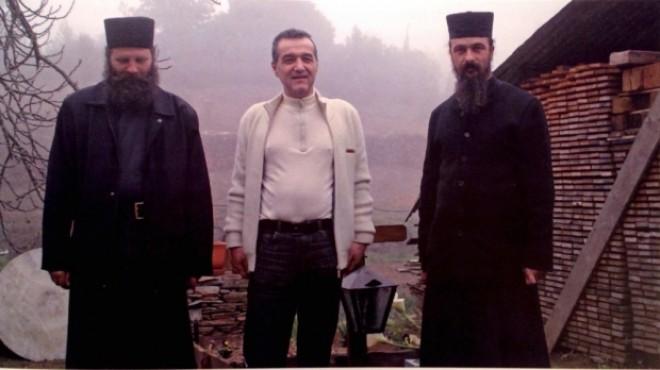 IMAGINI BOMBĂ cu Gigi Becali pe Muntele Athos VIDEO