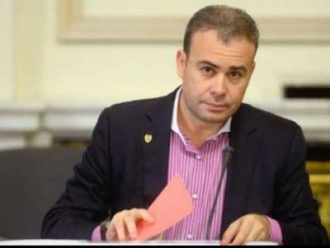 Fostul ministru Darius Vâlcov rămâne în AREST
