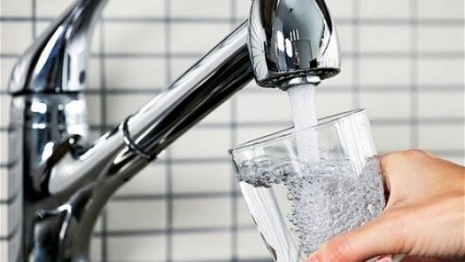 Ministrul de Finanţe vrea reducerea TVA la apa potabilă