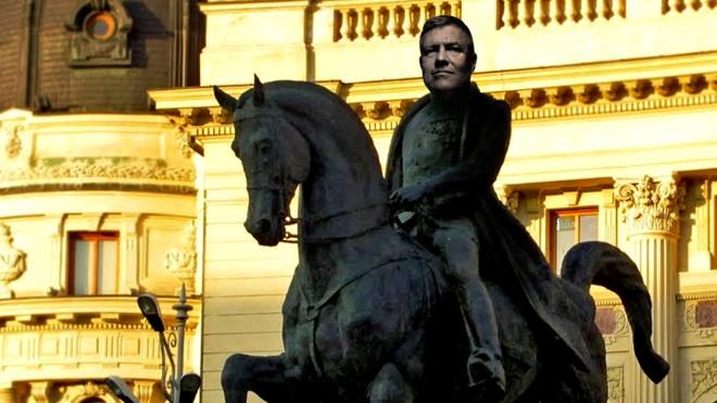 Nu-l mai deranjați pe Carol al III-lea!