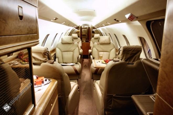 Iohannis a închiriat un avion de lux pentru deplasarea la Bruxelles. Drumul a costat 140.000 de lei - FOTO