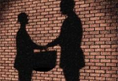 Cei mai INGENIOŞI corupţi. Cum comunicau pentru a se ascunde de DNA