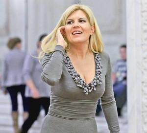 Elena Udrea părăsește arestul la domiciliu