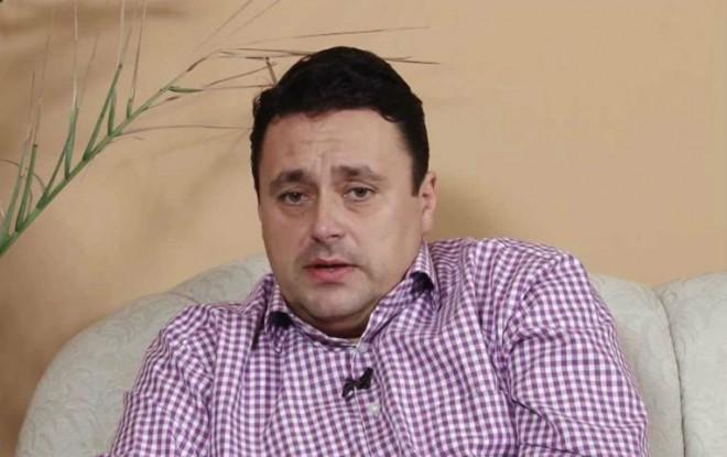 """Volosevici, atac la primarul interimar: Să înțeleg că Teodorescu a votat în cunoștință de cauză suma de 10 milioane pe care ploieștenii trebuie să o dea în schimbul """"afacerii"""" cu clădirea OMV?"""