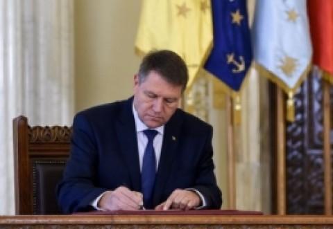 CTP îl ironizează pe Iohannis: 'Este scriitorul turbo'