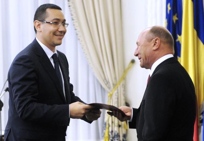 Băsescu, AMENINŢARE la adresa lui Ponta: Mai ştii povestea cu săpatul gropii şi cine cade în ea?