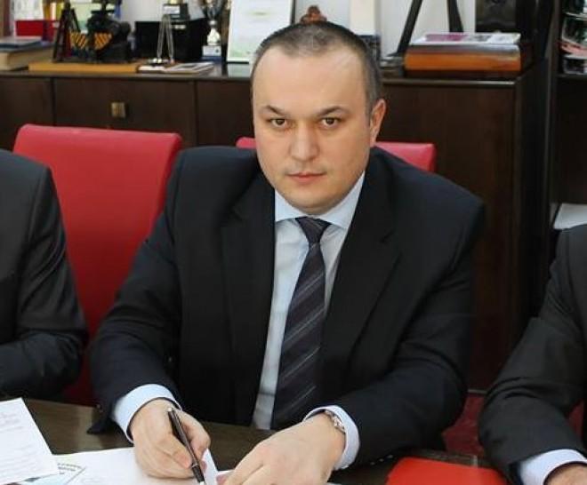 Iulian Badescu a fost trimis in judecata. Este acuzat de 12 INFRACŢIUNI