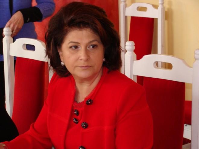 Ministrul Muncii: Întrebăm Curtea Constituţională dacă alocaţia copiilor este drept universal sau diferenţiat