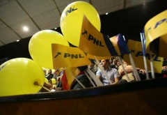 Urmează marea îmbulzeală din PNL? Fenomenul din 2016 care ar putea măcina din temelii partidul