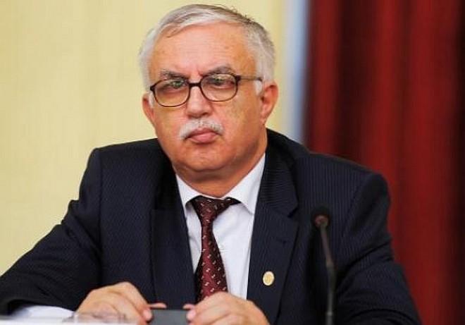 Preşedintele CCR, reclamat la Consiliul Naţional pentru Combaterea Discriminării