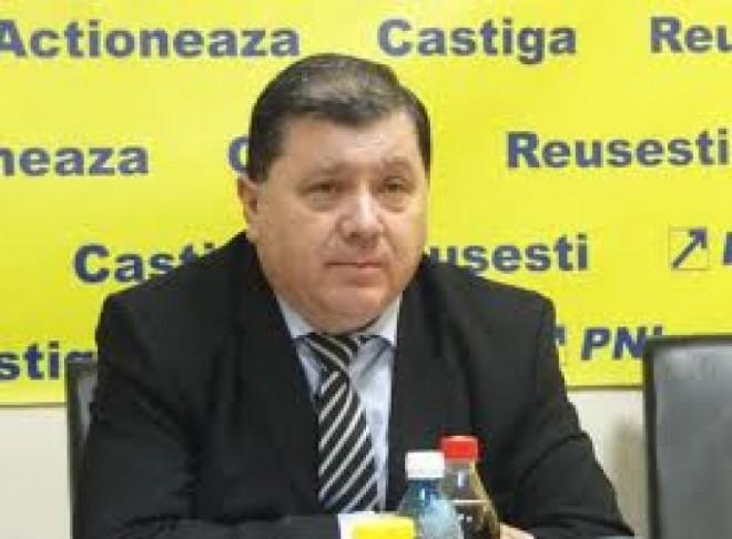 SURSE: Adrian Semcu va fi REȚINUT