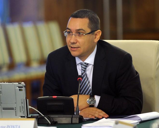Ponta, după creşterea salariului minim: Încă o dovadă a faptului că mergem în direcţia bună
