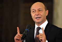 Băsescu, atac la Iohannis: A greşit că şi-a pus apropiaţi şefi la SIE şi SRI