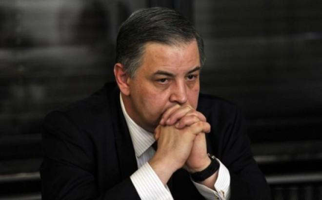Fostul trezorier PNL, Vlad Moisescu, audiat la DNA