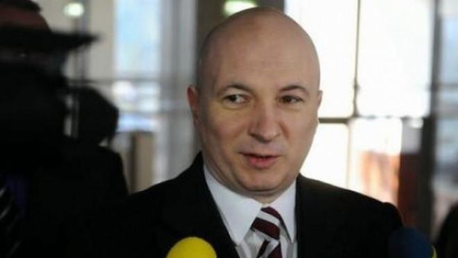 Codrin Ştefănescu, primit cu sute de aplauze la şedinţa PSD