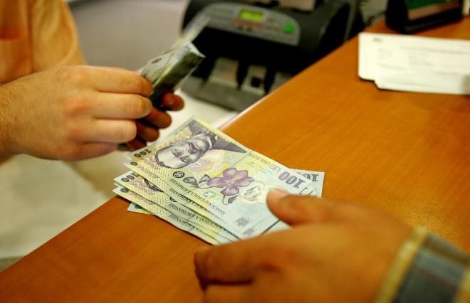 Un ministru ia exemplu de la Ponta şi îşi donează majorarea de salariu