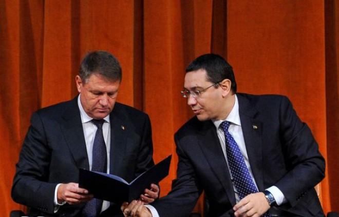 Unde îşi petrec concediul Ponta şi Iohannis. Prima imagine cu premierul din vacanţă