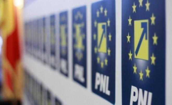 Băsescu: PNL, un partid moluscă