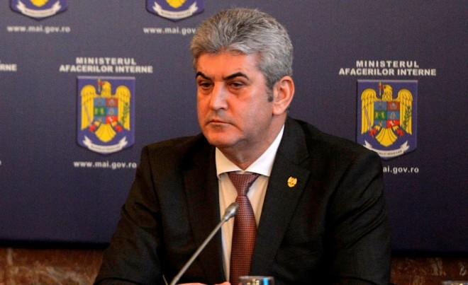 Comitet de urgenţă la Guvern. Oprea: Am decis să întărim măsurile de securitate la frontiera cu Serbia