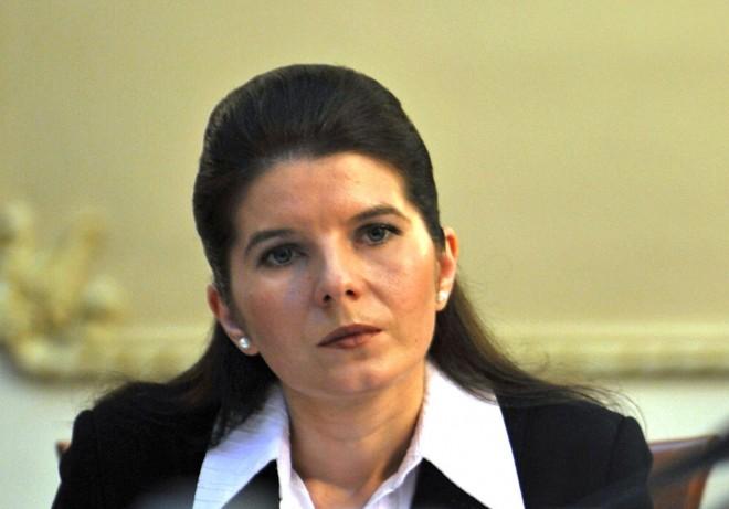 Monica Iacob Ridzi ȘOCHEAZĂ: Cer legalizarea pedepsei cu moartea! Ce a pățit fostul ministru