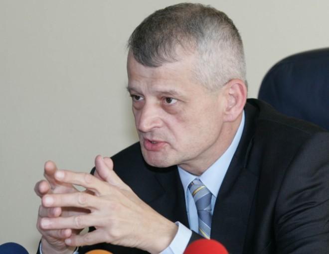 Sorin Oprescu sesizeaza Ministerul Sanatatii cu privire la tratamentul medical primit in arest