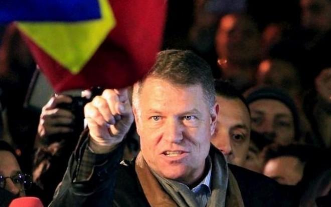 """Klaus Iohannis: """"Nu înclin acum foarte mult spre alegeri anticipate. Nu rezolvă problema"""""""