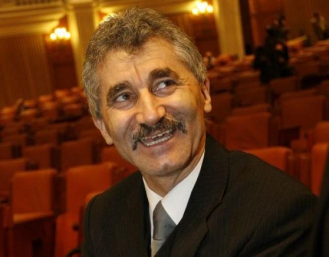 """Deputaţii Ioan Oltean şi Cătălin Teodorescu, URMĂRIŢI PENAL. DNA: Oltean a primit 600.000 de euro într-o """"parohie"""""""