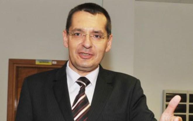 Ion Cristoiu vine cu noi detalii: Klaus Iohannis e protectorul lui Petre Tobă
