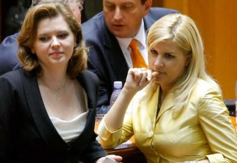 Roberta, ti-e frica de mita luata de la Gabi Sandu?