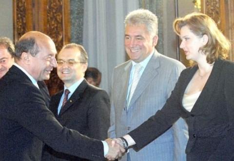 SURPRIZE în mega-DOSARUL șpăgi pentru legi: Băsescu, Videanu, Predoiu și Boc, pomeniți de procurori