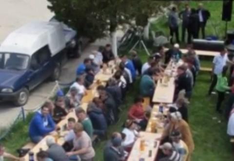 VIDEO/ PNL organizeaza petreceri pentru localnici, cu iz de mita electorala