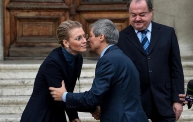 Dacian Cioloș face pe plac liberalilor. Va fi gata...