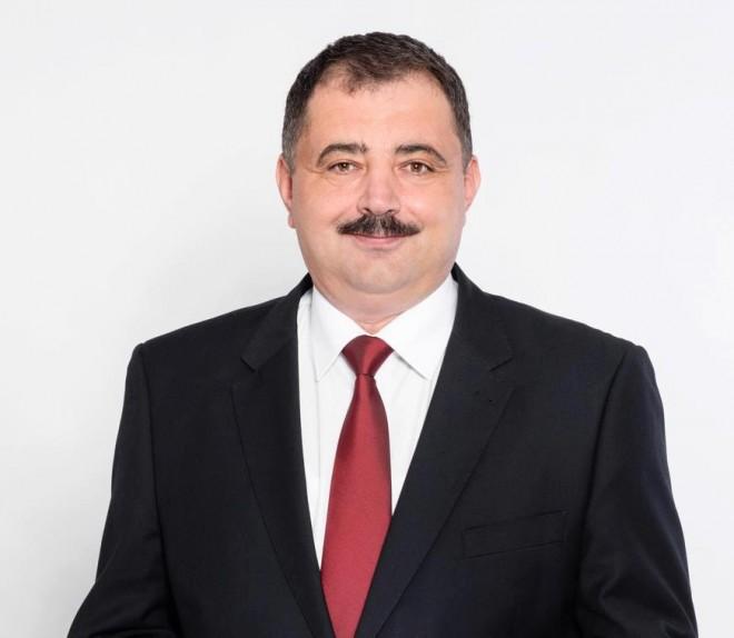 "Si liberalii trec la PRU. Inca un deputat s-a transferat in ""Partidul lui Vlad Tepes"""