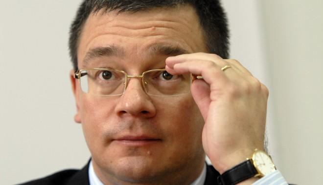 Directorul SIE Mihai Răzvan Ungureanu şi-a dat demisia