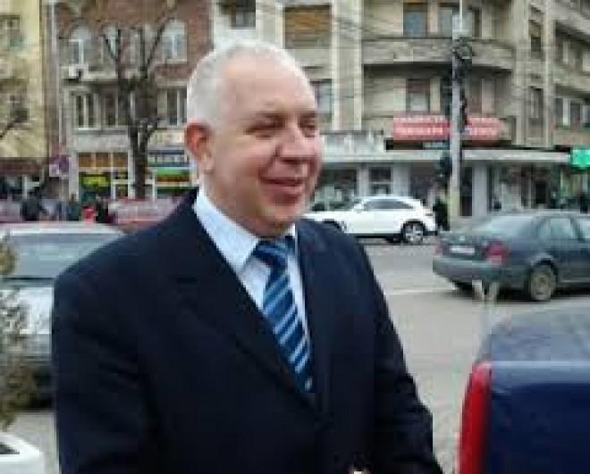 Primaria Campina, luata cu asalt de procurorii DNA. Ce documente au ridicat anchetatorii