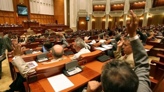 Legea PSD privind eliminarea a peste 100 de taxe, adoptată de Parlament în unanimitate