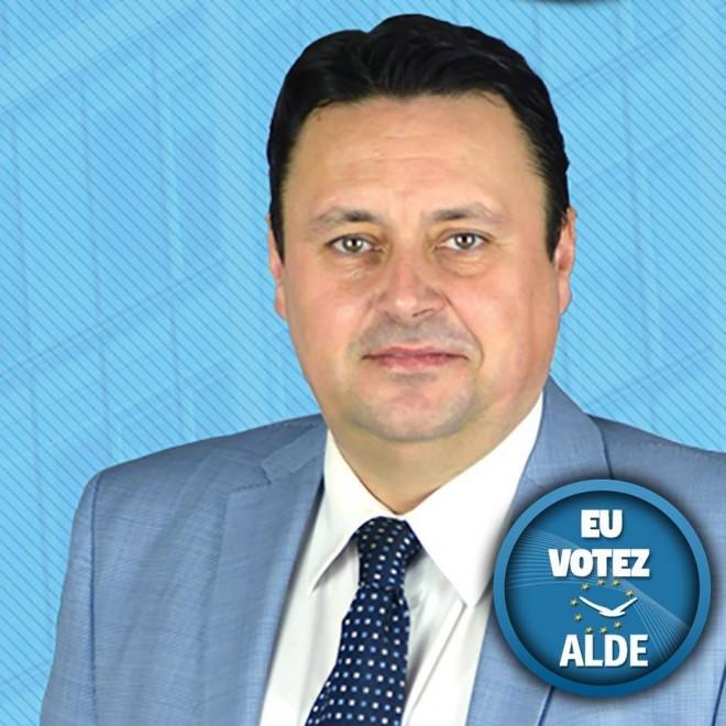 "Andrei Volosevici rupe tacerea! Senatorul a dezvaluit cine ""si-a bagat coada"" in PNL si l-a determinat sa plece din partid"