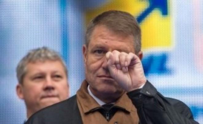 Iohannis, în cădere liberă în sondaje. Evoluţia încrederii în preşedinţi