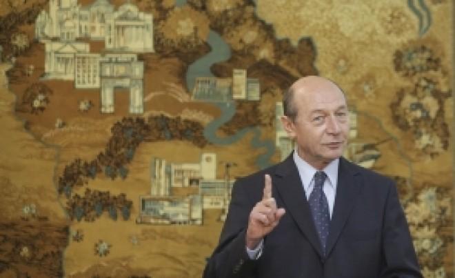 LISTA lui Traian Băsescu: Ce a putut scrie fostul președinte în miezul nopții