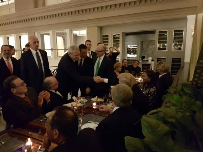 Premierul Grindeanu și șeful PSD Liviu Dragnea s-au întâlnit cu Donald Trump - GALERIE FOTO