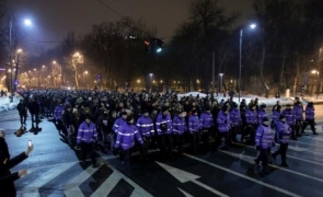 Mircea Badea: 'Președintele și zeci de mii de oameni încearcă să dea o LOVITURĂ DE STAT'