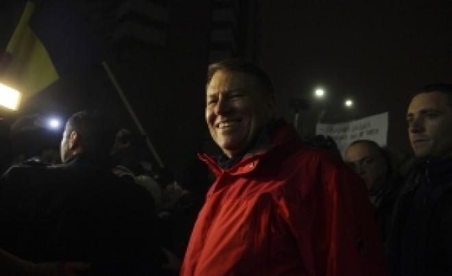 Cristian Tudor Popescu îl UMILEȘTE pe Klaus Iohannis: 'S-a FRECAT de mulțime, e IEFTIN'