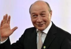 """Mesajul lui Traian Băsescu pentru """"patrioții din PSD care s-au speriat de popor"""" a devenit VIRAL pe Facebook"""