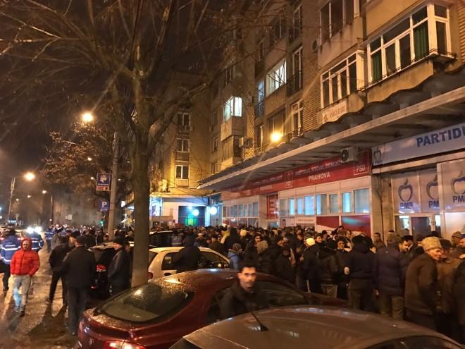 SEDINTA de anvergura la PSD Prahova. Peste 1800 de membri, primari si consilieri, s-au adunat la sediul devenit neincapator