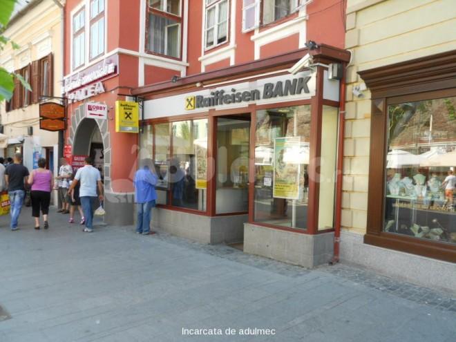 Decizia luată de Raiffeisen, după ce Iohannis a pierdut casa din Sibiu