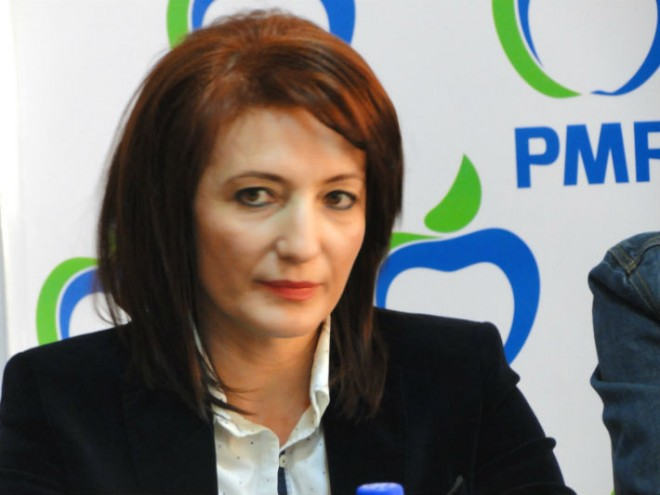 Catalina Bozianu: Elevilor din Prahova li se testeaza aptitudinile de... denunţător