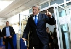 Bătălie pentru putere în USR. Cum se pregăteşte Cioloş să dea o nouă ţeapă. Planul fostului premier