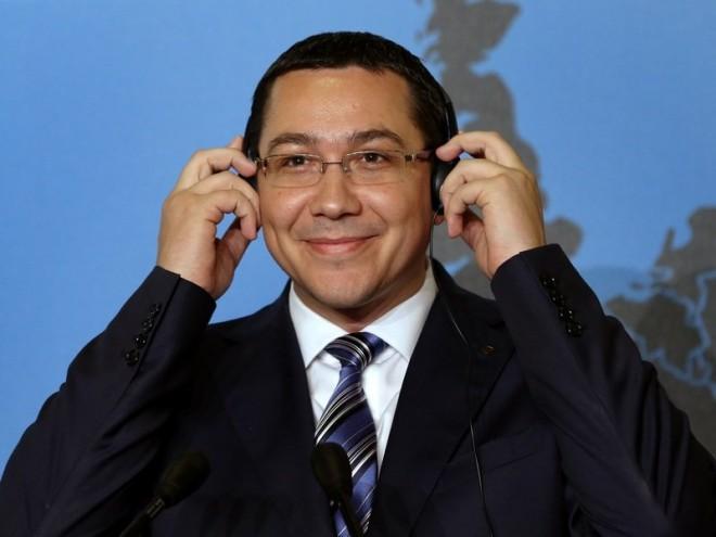 """Ponta, DESFIINTAT pe Facebook: """"Acest baiat de mingi la partidele de tenis are un singur neuron"""""""
