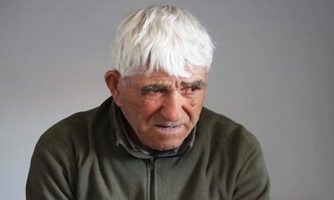 """CUTREMURATOR. Deţinut în vârstă de 81 de ani: """"Nu mai ştiu de când sunt aici, mi-au furat ideile, astept sa mor, am lumanarile pregatite"""""""