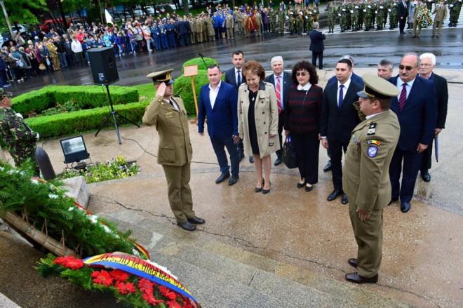 Bogdan Toader, la ceremonia militara organizata la Ploiesti cu ocazia zilei de 9 Mai: Trebuie să privim cu încredere și optimism în proiectul european